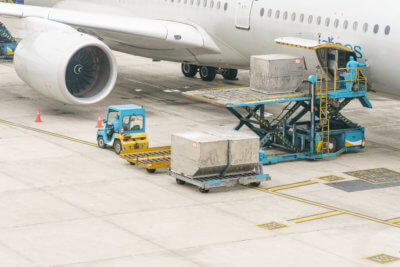 Exporting goods to the EU, picture of plane cargo, selling goods to EU, shipping goods to EU, sending parcels to EU, how to sell goods to the EU